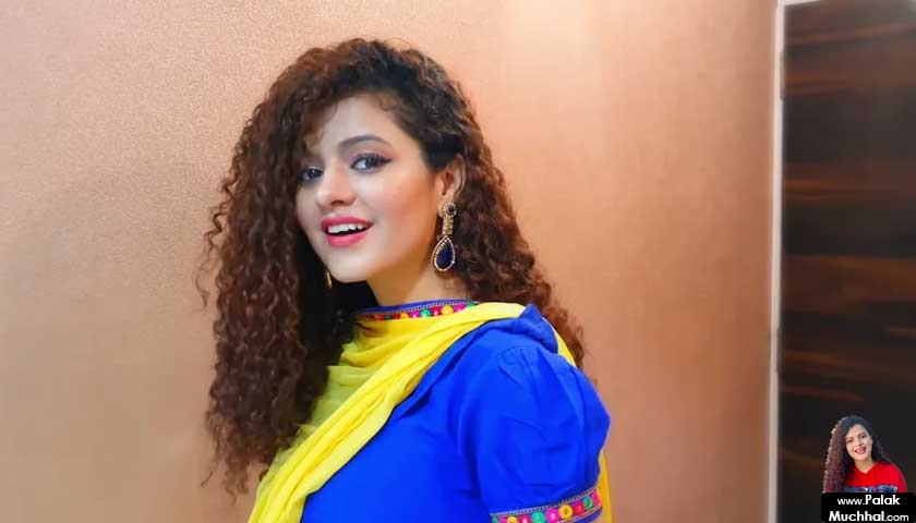 Palak Muchhal, wears blue saree