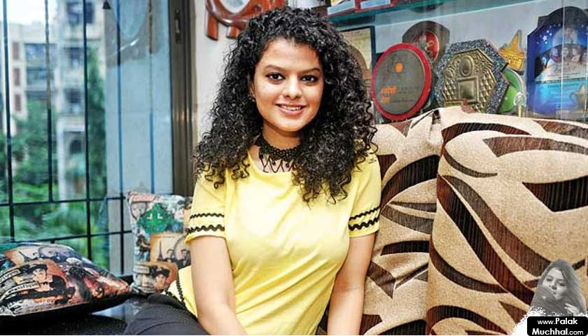 palak muchhal, yellow shirt